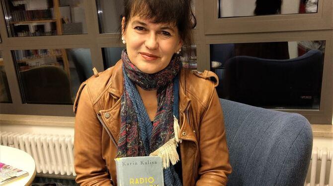 """-> wird verschoben: """"Radio Activity"""" – Lesung mit Karin Kalisa"""